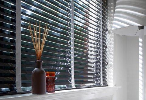 Raamdecoratie is onmisbaar in een sfeervol interieur glas en
